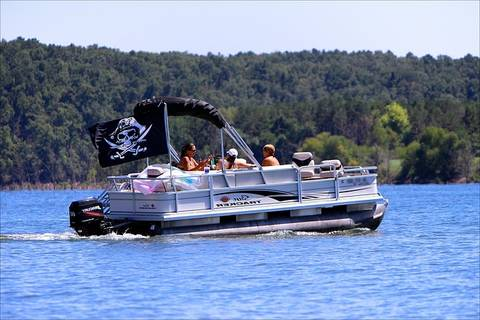 Diffrent Types Of Boat - The Pontoon's Or Pontoon Boats