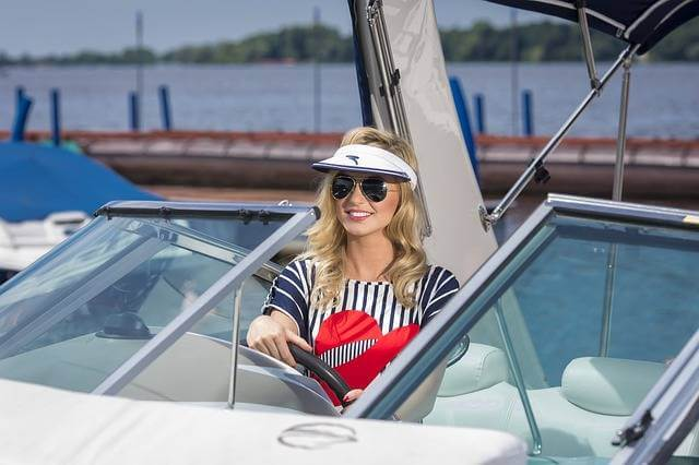 What To Wear On A Boat? - 10 Best Boating Outfit Ideas